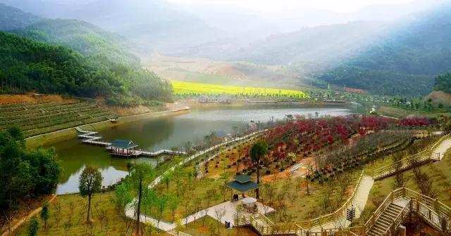 位于漳州马洋溪生态旅游区,国家森林公园天柱山东麓,是闽南黄金旅游圈
